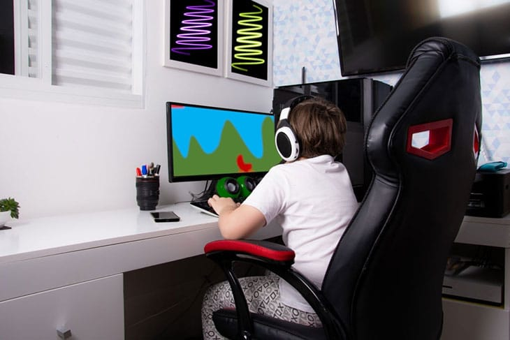 best gaming chair with footrest 2020